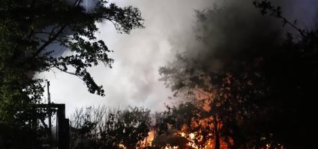 Chalet brandt volledig af op camping in Heijen