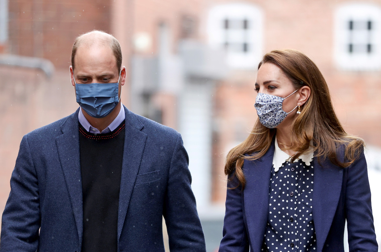 13.05.2021; London, England: KATE MIDDLETON AND PRINCE WILLIAM visit Base25 to mark mental health awareness week in Wolverhampton. Photo: Molly Darlington/Newspix International  IMMEDIATE CONFIRMATION OF USAGE REQUIRED: Newspix International, 31 Chinnery Hill, Bishop's Stortford, ENGLAND CM23 3PS Tel:+441279 324672  ; Fax: +441279656877 Mobile:  07775681153 e-mail: info@newspixinternational.co.uk Usage Implies Acceptance of Our Terms & Conditions Please refer to usage terms. Beeld BrunoPress/Newspix