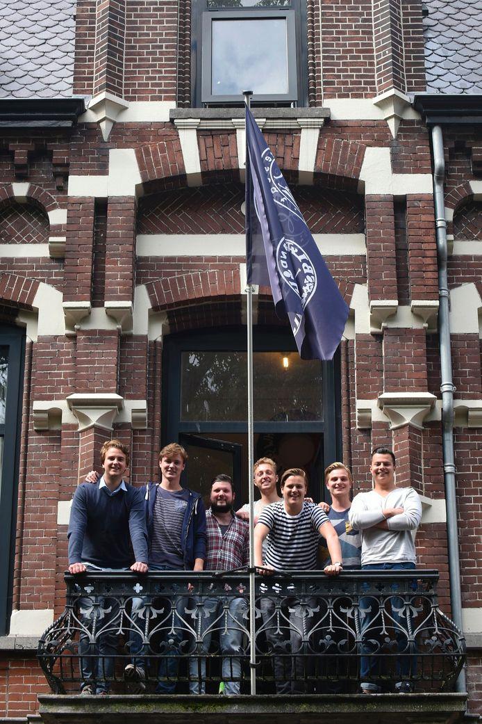 Het studentenhuis van dispuut Black and White aan het Wilhelminapark in Tilburg.