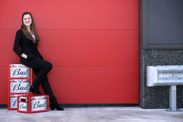 De Vlaamse Michele Van Spilbeeck (31) is sinds kort horeca-directeur van bierbrouwerij AB InBev Nederland.