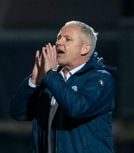 Ook tegen koploper Cambuur wil Jack de Gier met hekkensluiter FC Den Bosch vooruit voetballen
