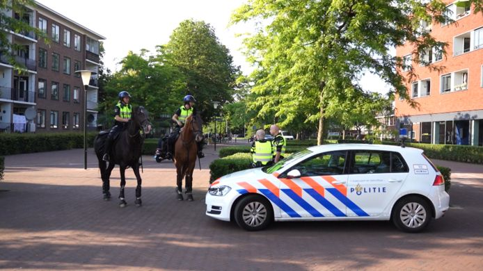 De gemeente Eindhoven heeft donderdagavond een noodverordening afgekondigd in stadsdeel Tongelre omdat jongeren op sociale media hadden opgeroepen om de rellen in Helmond te overtreffen.