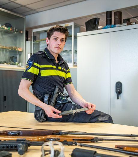'Drop je knife en doe wat met je life': politie roept weer op messen en wapens in te leveren op het bureau