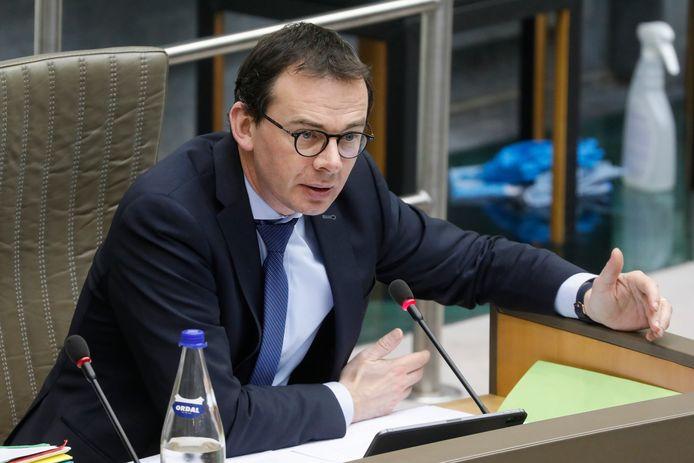 Het kabinet van Vlaams minister van Volksgezondheid Beke voert momenteel ook gesprekken met de universiteiten over de inzet van geneeskundestudenten in de woonzorgcentra.