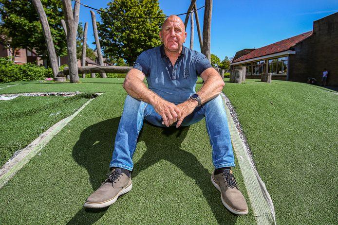 Ex-prof André Hoekstra gaat binnenkort aan de slag als assistent-trainer bij het Werkendamse Kozakken Boys.