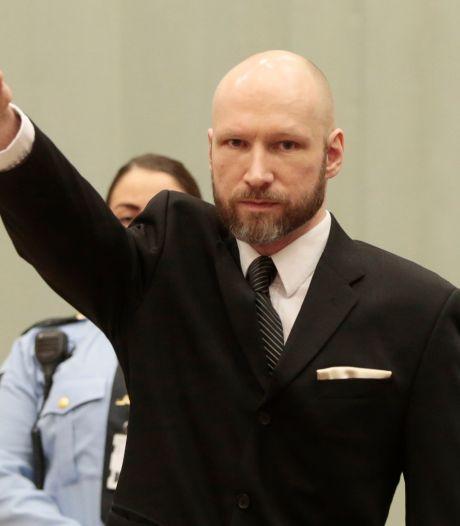 """Breivik est devenu """"beaucoup plus radical"""""""