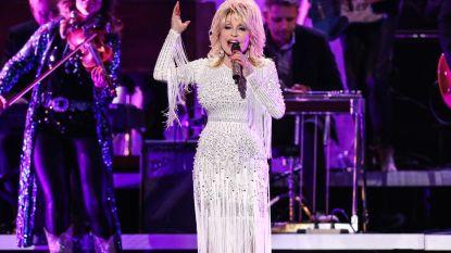 BV's en celebrities storten zich op meme challenge van Dolly Parton