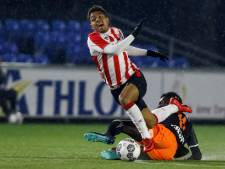 Jong PSV wint nipt van FC Volendam: Koopmans sterk terug