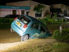 Claudia's  auto zakte in een sinkhole in Roosendaal: 'Goed verhaal voor op verjaardagen'