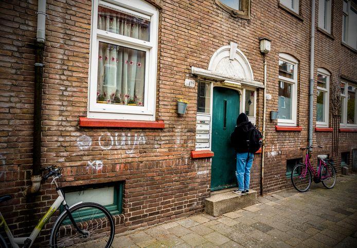 Straatbeeld in Carnisse, één van de wijken in Rotterdam-Zuid die al jarenlang worden aangepakt via een langdurig herstelprogramma.