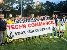 Protest AVC Heracles bij Achilles Enschede tegen ronselen talent door voetbalschool