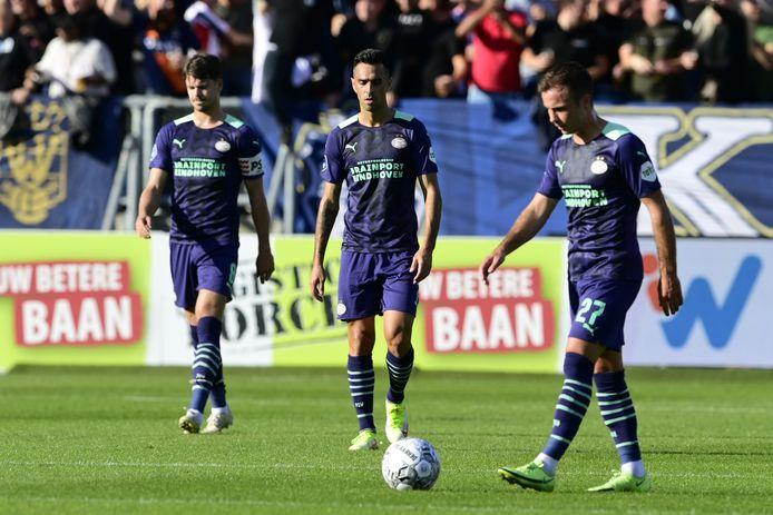 Marco van Ginkel, Eran Zahavi en Mario Götze na het duel met Willem II.