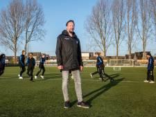 In Breda strijden voetbalclubs om de meiden en daar is niet iedereen blij mee: 'Er zit ruis op de lijn, dat is vervelend'