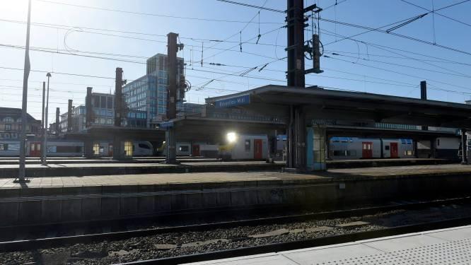 Drie dealers die dealden aan Zuidstation aangehouden