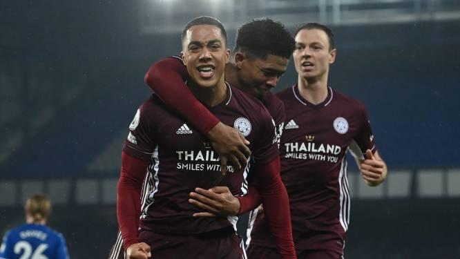 Tielemans profiteert optimaal van flater Pickford en redt Leicester van nederlaag