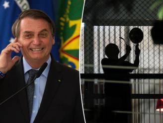 """Bolsonaro uitgemaakt voor """"moordenaar"""" nadat hij terugkeer naar gewone leven aankondigt terwijl coronacijfers alle records breken in Brazilië"""