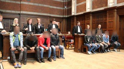 """Elf deelnemers aan trouwstoet op E17 gaan in beroep tegen vonnis: """"Dezelfde straf voor iedereen, dat kan niet"""""""