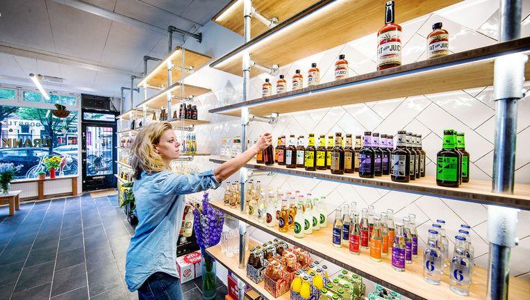 De winkel moet een einde maken aan de vrijdagmiddagfietstocht van slijter naar supermarkt en weer terug Beeld Jean-Pierre Jans