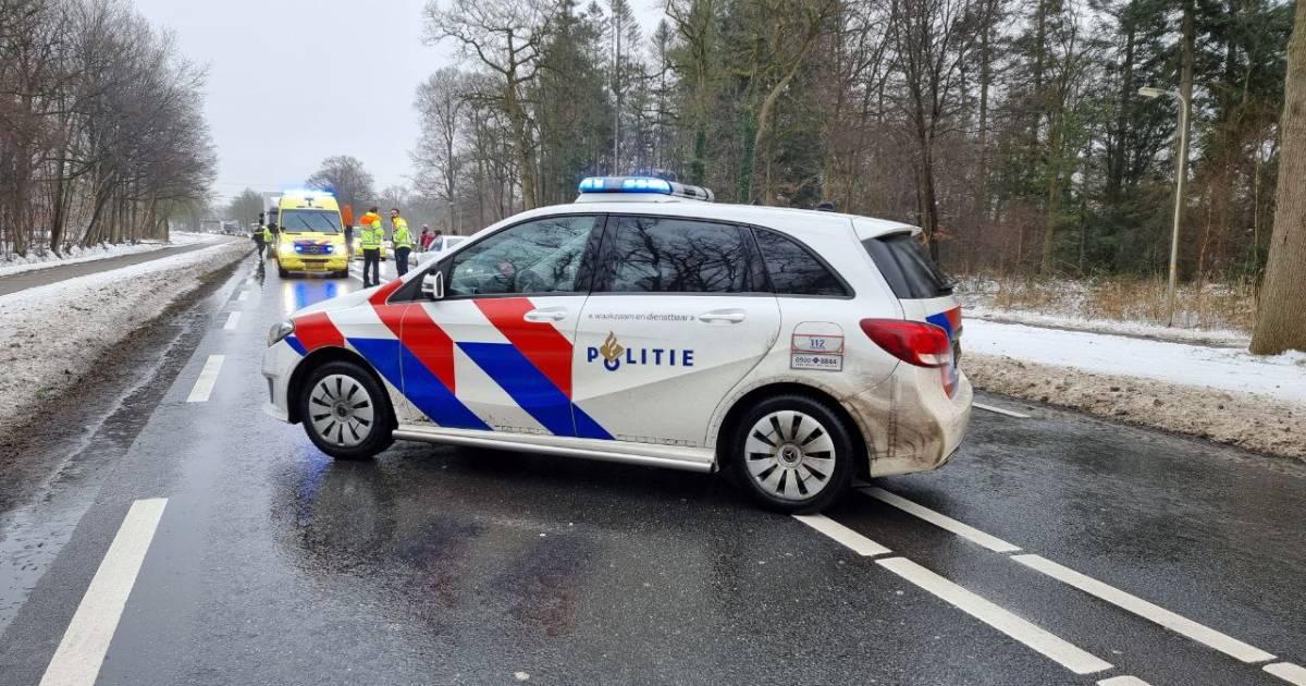 Ernstig ongeval in Delden, voetganger zwaargewond door aanrijding met vrachtwagen.