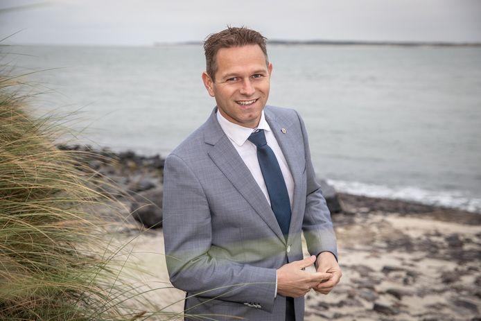 Gedeputeerde Jo-Annes de Bat wil dat Rijkswaterstaat parkeerplaats 't Scheld langs de A58 op orde brengt
