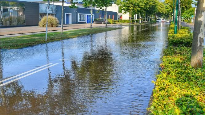 Kapotte waterleiding zet straten in Waalre blank