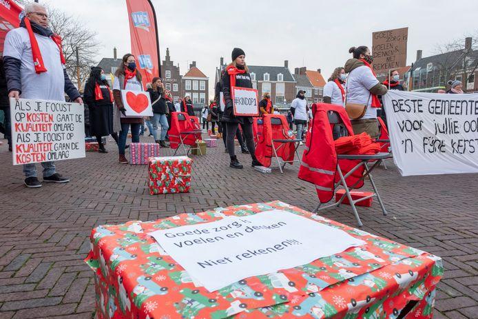 Medewerkers van Intervence hielden in december een protestactie in Middelburg tegen de plannen om de organisatie op te heffen.