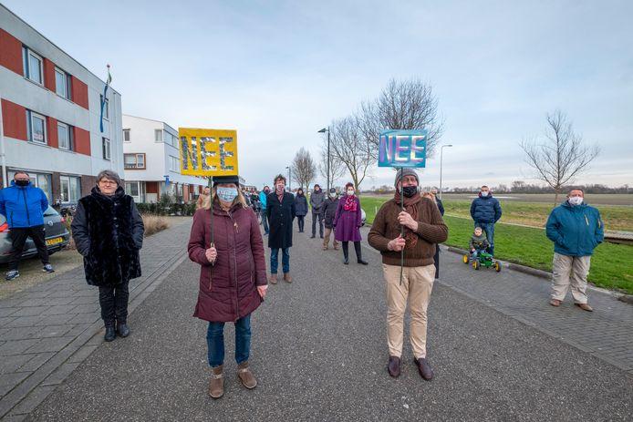 Eind januari protesteerden bewoners van Lammerenburg al tegen de komst van grootschalige wooncomplexen tegenover hun wijk.