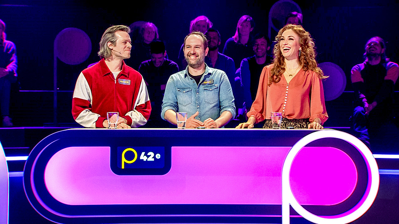 Hendrik De Rycker, Nelles De Caluwé en Natalia in 'Popquiz' Beeld VTM