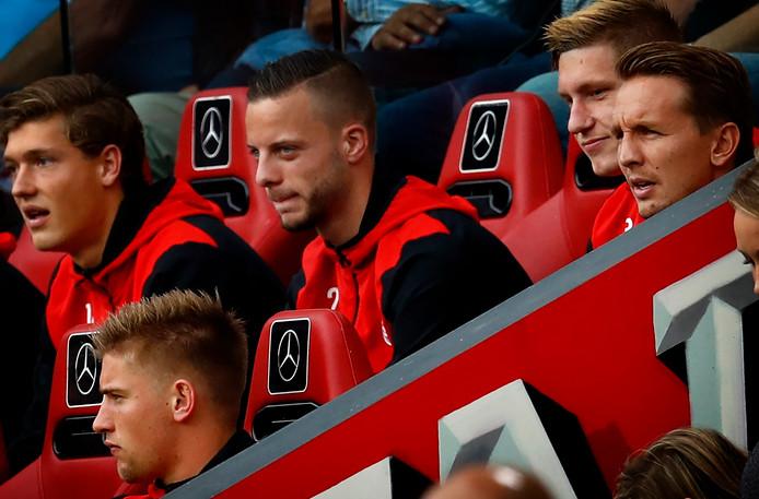 Eredivisie 2017/2018 PSV-AZ Luuk de jong op de reservenbak naast Bart ramselaar Foto ; Pim Ras