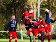 Trainer Venema maakt verhuizing van Steenwijk naar zaterdagvoetbal niet mee