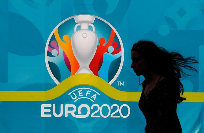 Het bedrijf Flyeralarm heeft op basis van een analyse van het voetbalspel FIFA 21 voorspeld dat Nederland de halve finale van het EK haalt. België wint volgens het populaire spel.