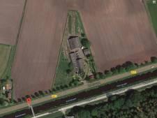 Politie start forensisch onderzoek bij uitgebrande boerderij Huis ter Heide