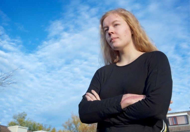 'Omdat ze te jong was voor euthanasie, koos de 17-jarige Nederlandse Noa Pothoven ervoor om te stoppen met eten en drinken, tot ze enkele weken later stierf. Is dat niet vreselijk?'   Beeld