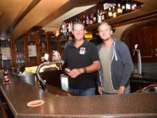Goirlese barman Tim Otten zong altijd achter de bar, neemt nu een échte single op: 'Een geintje'