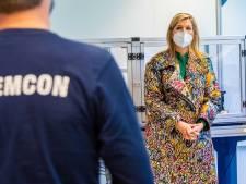 Koningin Máxima brengt onverwacht bezoek aan Demcon in Enschede