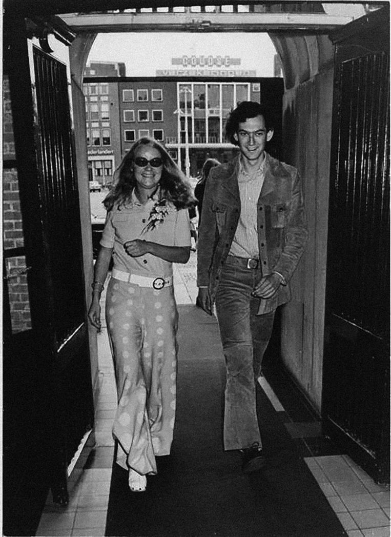 Job en Lidie aan het begin van hun huwelijk, rond 1972. Beeld Privéfoto Job Cohen
