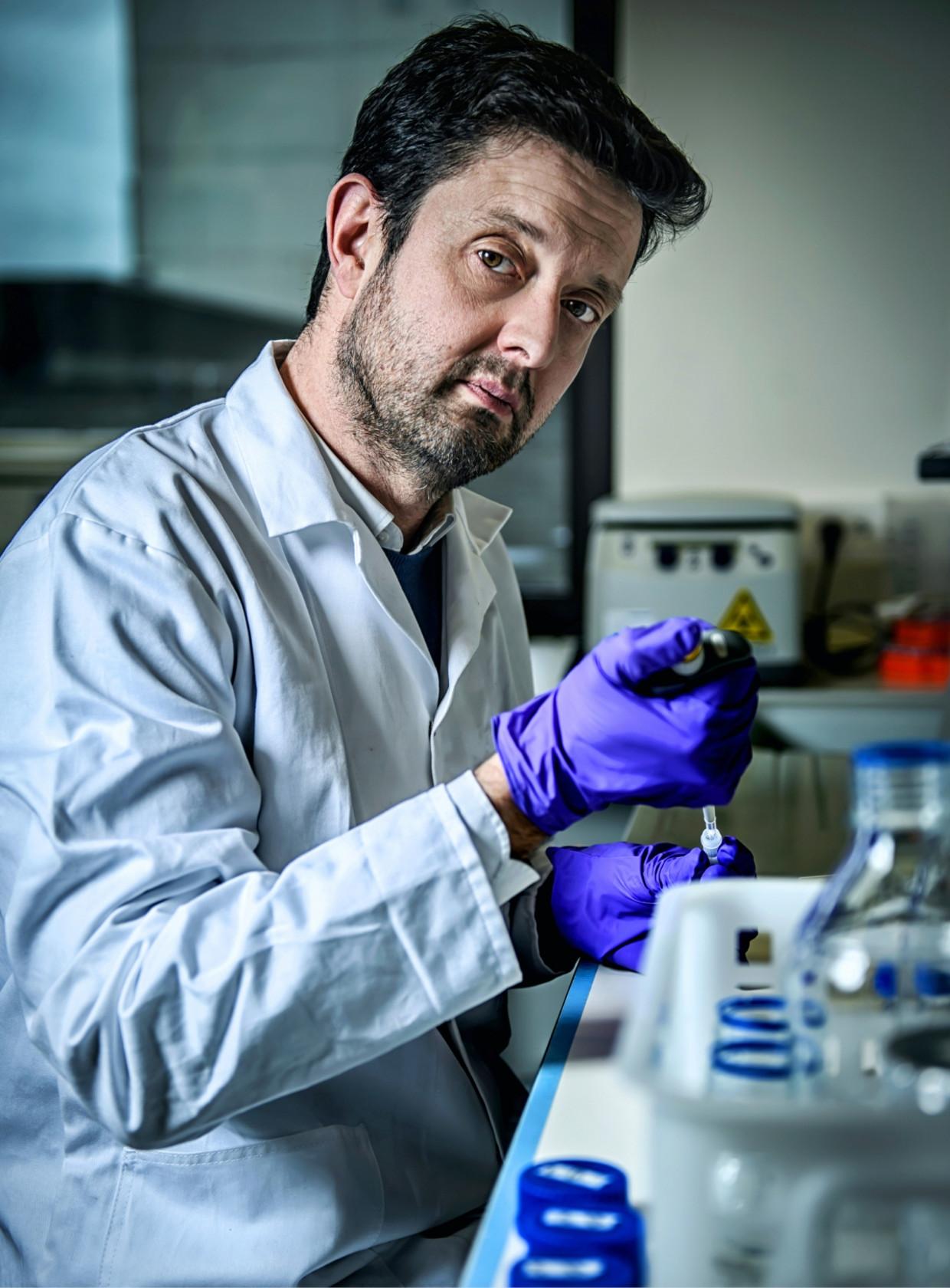 'Er wordt nu enorm geëxperimenteerd, bij muizen én bij mensen, om autisme, depressie en parkinson te behandelen via transplantatie van de stoelgang' Beeld
