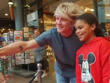 Drukte in winkelcentrum Houten door bezoek Youtuber Kalvijn Boerma