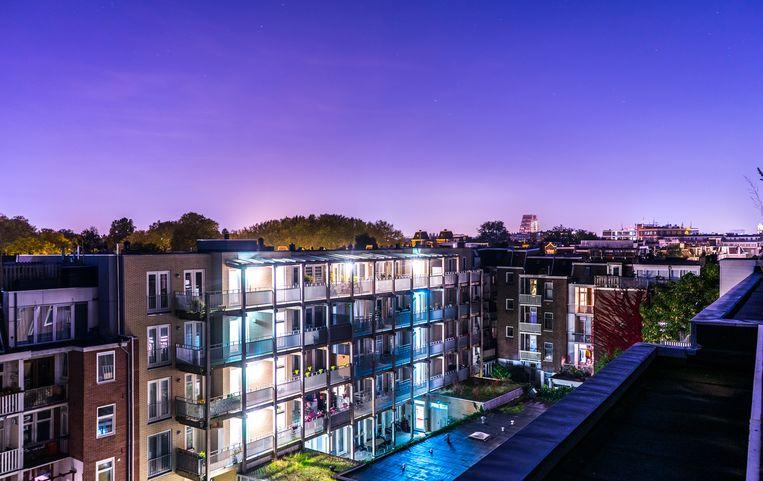 Beleggers kopen in de grote steden veel woningen op om die tegen forse vergoeding te verhuren.  Beeld Shutterstock
