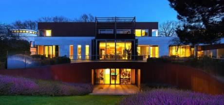 Binnenkijken bij Brabantse villa van elf miljoen euro met 'hoog James Bond-gehalte'