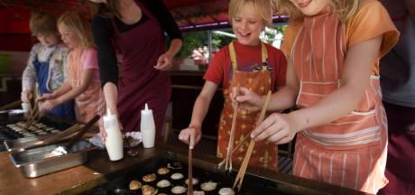 Al 100 jaar gratis poffertjes voor kinderen in Breukelen