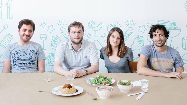 Take Eat Easy laat eten aan huis bezorgen met fietskoeriers. Beeld Kevin Faingnaert