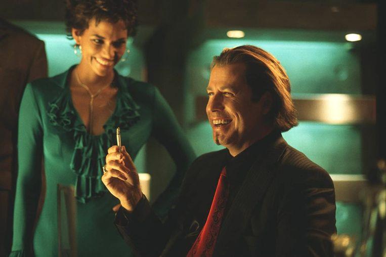 Halle Berry en John Travolta in Swordfish van Dominic Sena Beeld