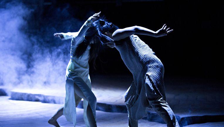 Choreograaf Akram Khan zal meedansen in zijn voorstelling Until the Lions. Beeld Jean-Louis Fernandez