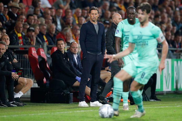 Roger Schmidt was afgelopen week met PSV in De Adelaarshorst in Deventer.