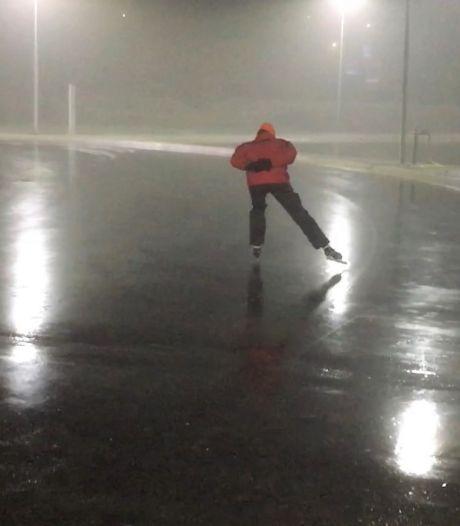 Het wonder van Winterswijk: dankzij 'Willie Wortels' 400 meter geschaatst op 1,5 millimeter ijs
