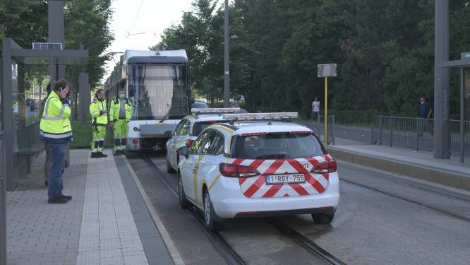 Vrouw belandt onder tram bij halte Kinepolis