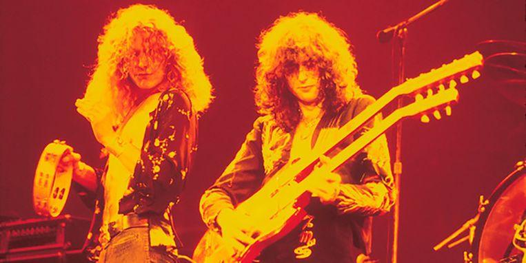 Robert Plant en Jimmy Page van Led Zeppelin. Elke muziekliefhebber koestert deze band, maar tegelijk hadden ze er een handje van weg om andermans werk te rippen. Beeld Kos