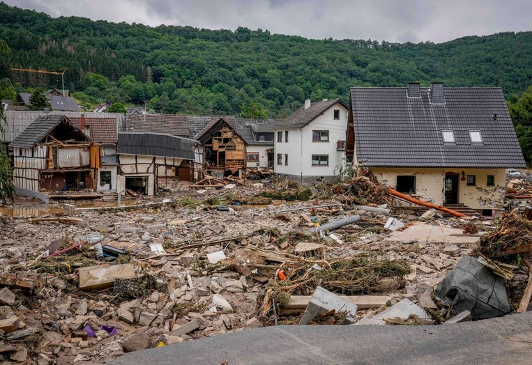 Vernielde woningen in Schuld Beeld AP