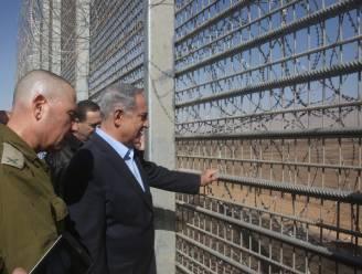 """Netanyahu wil hek rond heel Israël """"om wilde beesten buiten te houden"""""""